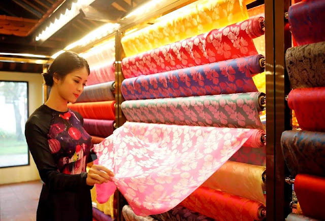 Vietnam – Asia silk festival 2017 continue held in Hoi An 2