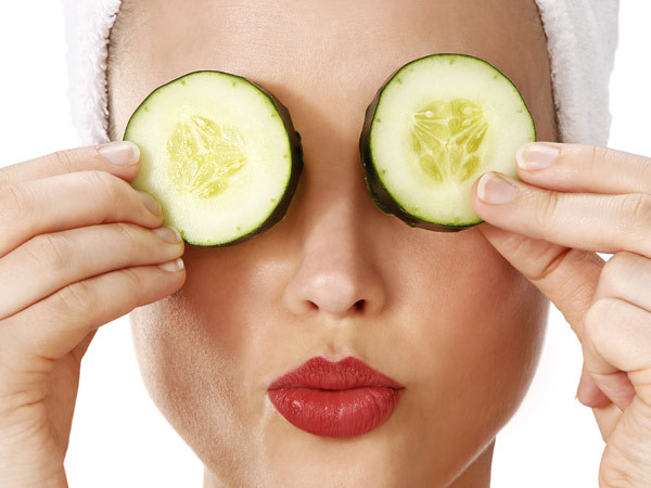 Get rid of dark circles with simple remedies