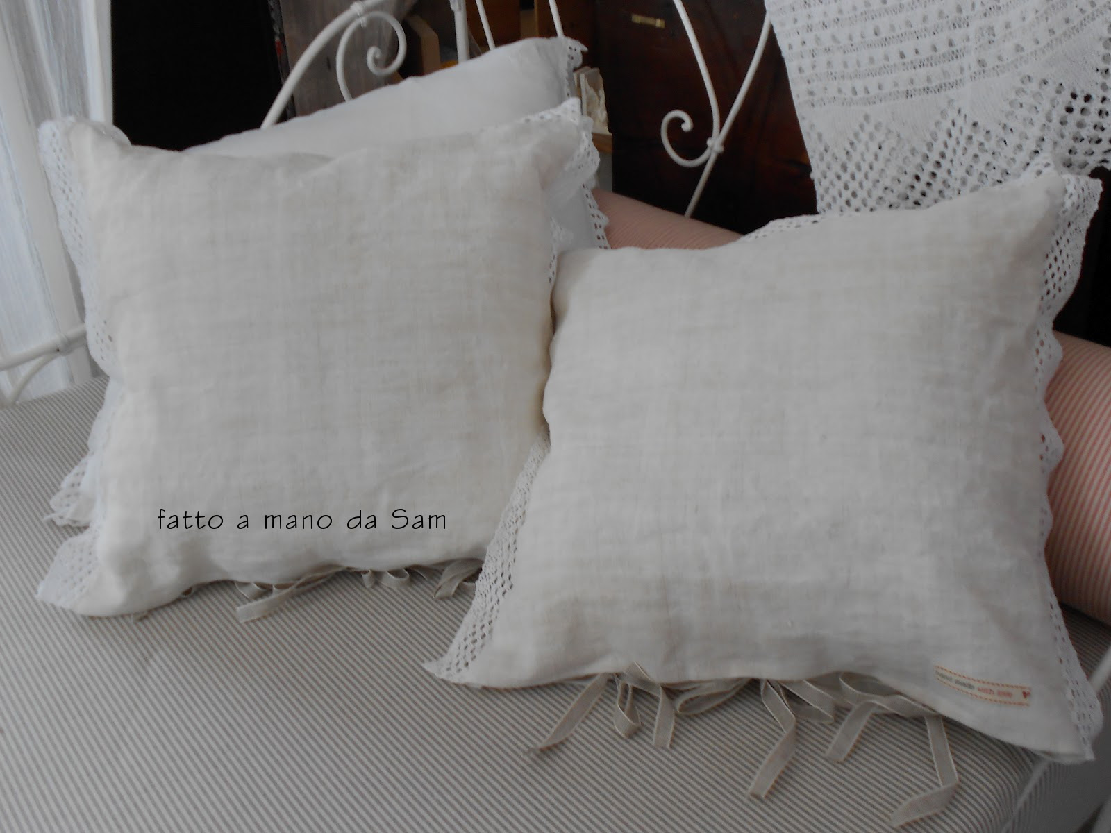 Molto Fatto a mano da Sam: Stoffa antica: cuscini realizzati! ZO14