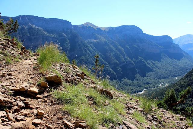Ruta por la faja de Canarellos en el Parque Nacional de Ordesa y Monte Perdido