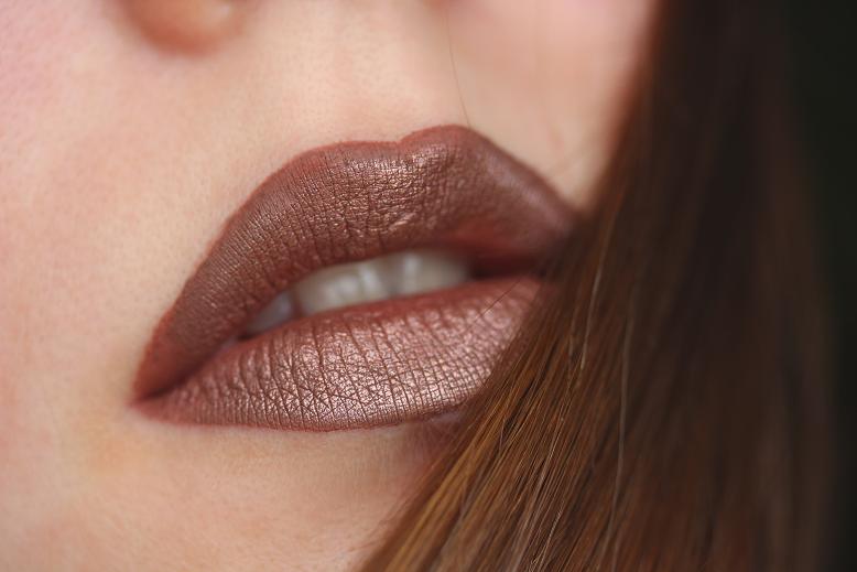 essence metal shock lipstick iron maiden mit nyx lingerie teddy