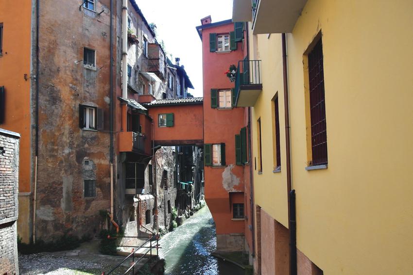 Mała Wenecja w Bolonii znajduje się na ulicy Piella 16