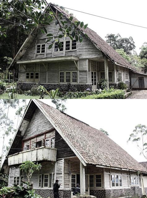 dua rumah pengabdi setan