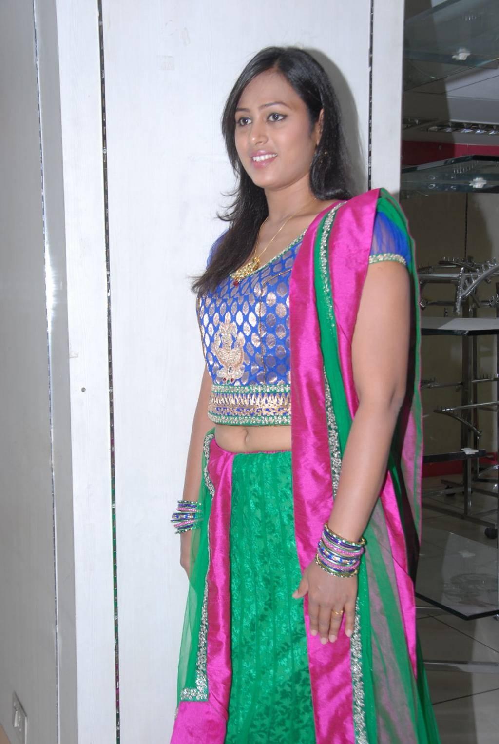 Spicy Saree: Dressing Below Navel Saree: Tejaswini Spicy Navel Photos