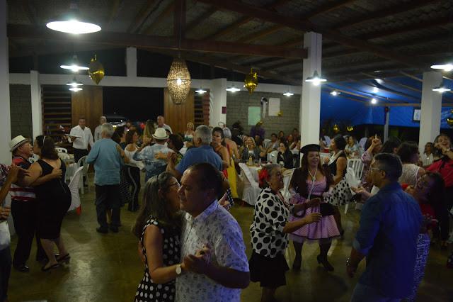 PATROCINADOR: Festa dos Anos 60 foi sucesso na Pousada Aba da Serra.