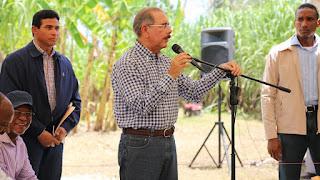Danilo confirma gobernador del BC y vicegobernadora ;designa a José Lozano