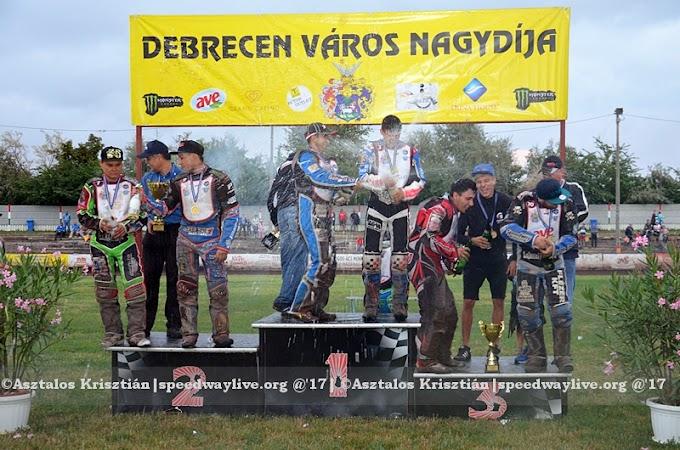 Magosi nyerte a karneváli versenyt