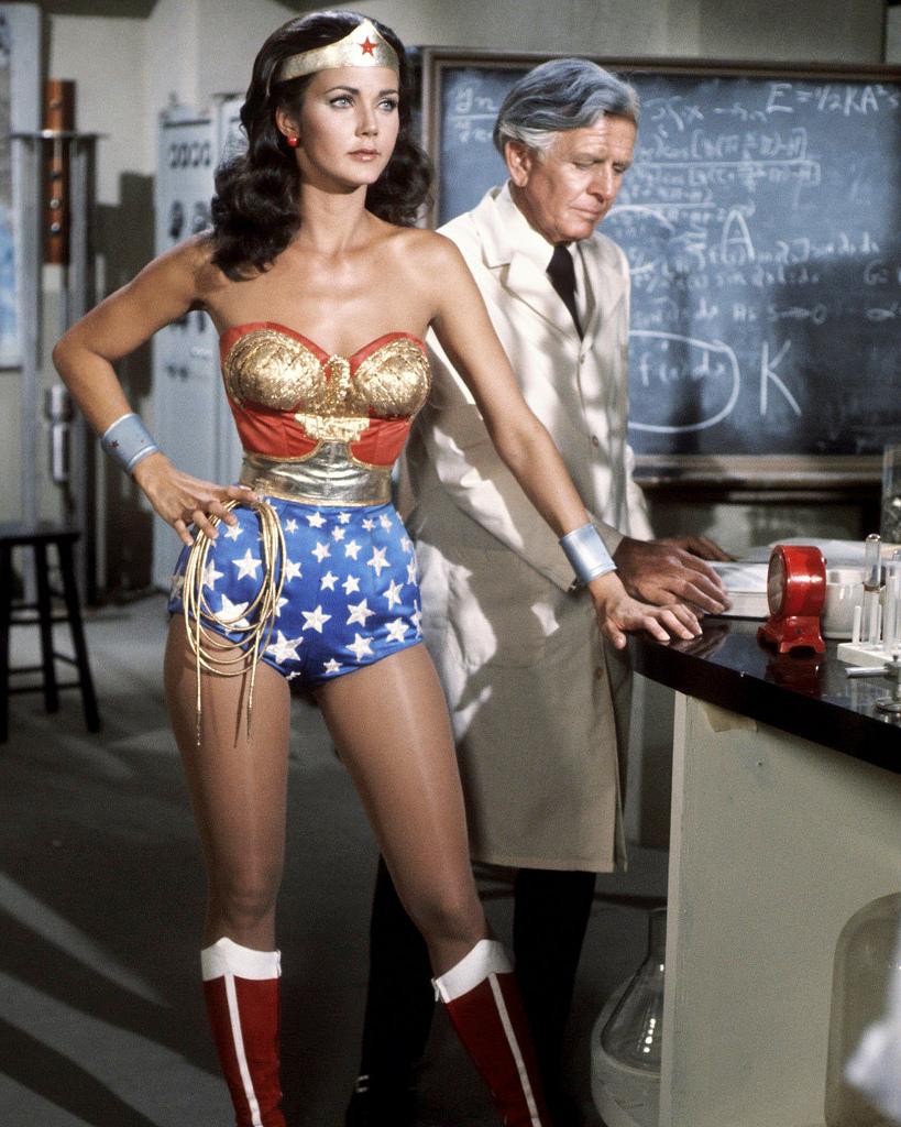 Current wonder woman costume-6324