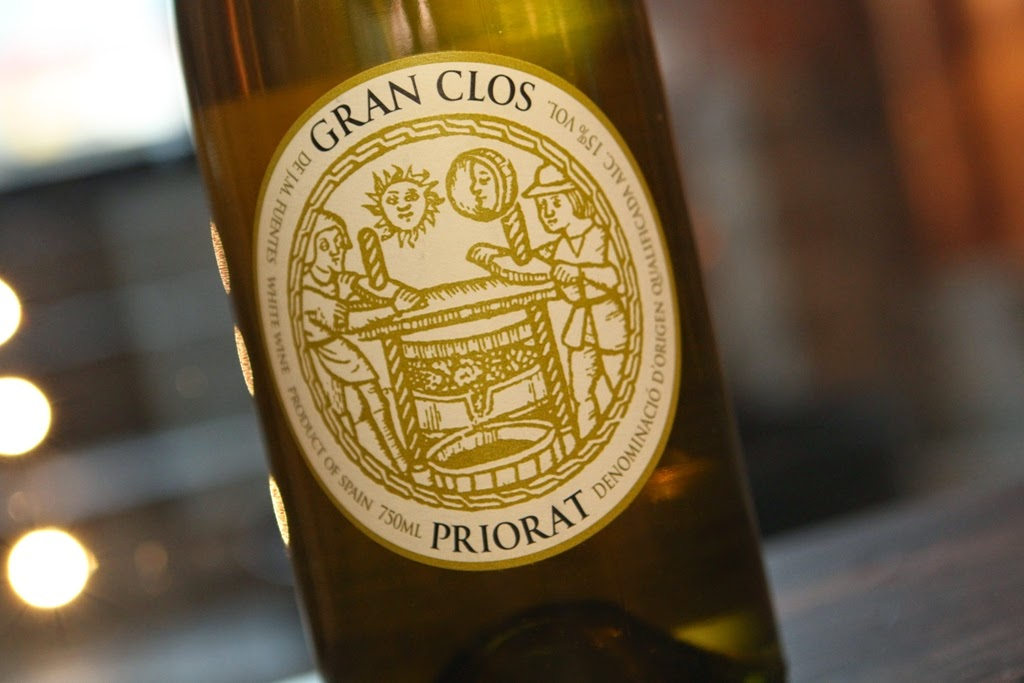 Skruvkapsylen kvar pa ett fatal flaskor