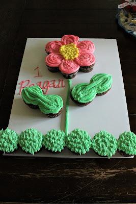 Cupcake Flower Cake #Celebrate365