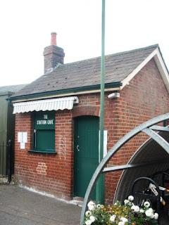 Romsey platform hut