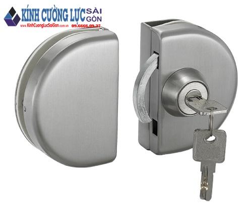 Lựa chọn khóa cửa lùa bán nguyệt cho bộ cửa lùa kính hoàn hảo