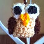 http://translate.googleusercontent.com/translate_c?depth=1&hl=es&rurl=translate.google.es&sl=en&tl=es&u=http://www.crochetaddictuk.com/2013/12/owl-charmdecoration-free-crochet-pattern.html&usg=ALkJrhizJkTgkpAmIaOQGolJYtnM8DDa5Q