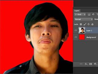 warna bacground pas foto merah