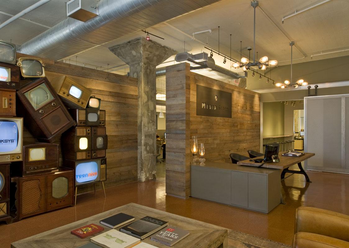 Flaming Amp Design Studio Media Storm