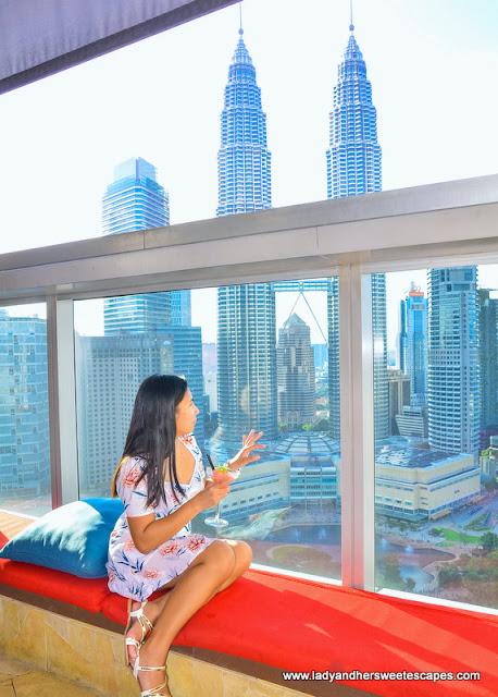 Lady at Traders Hotel Kuala Lumpur SkyBar