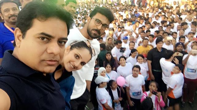 Minister KTR Selfie at 10k run event , neklace road