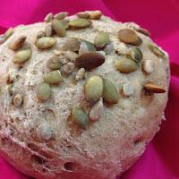 Pão integral com sementes de girassol e abóbora