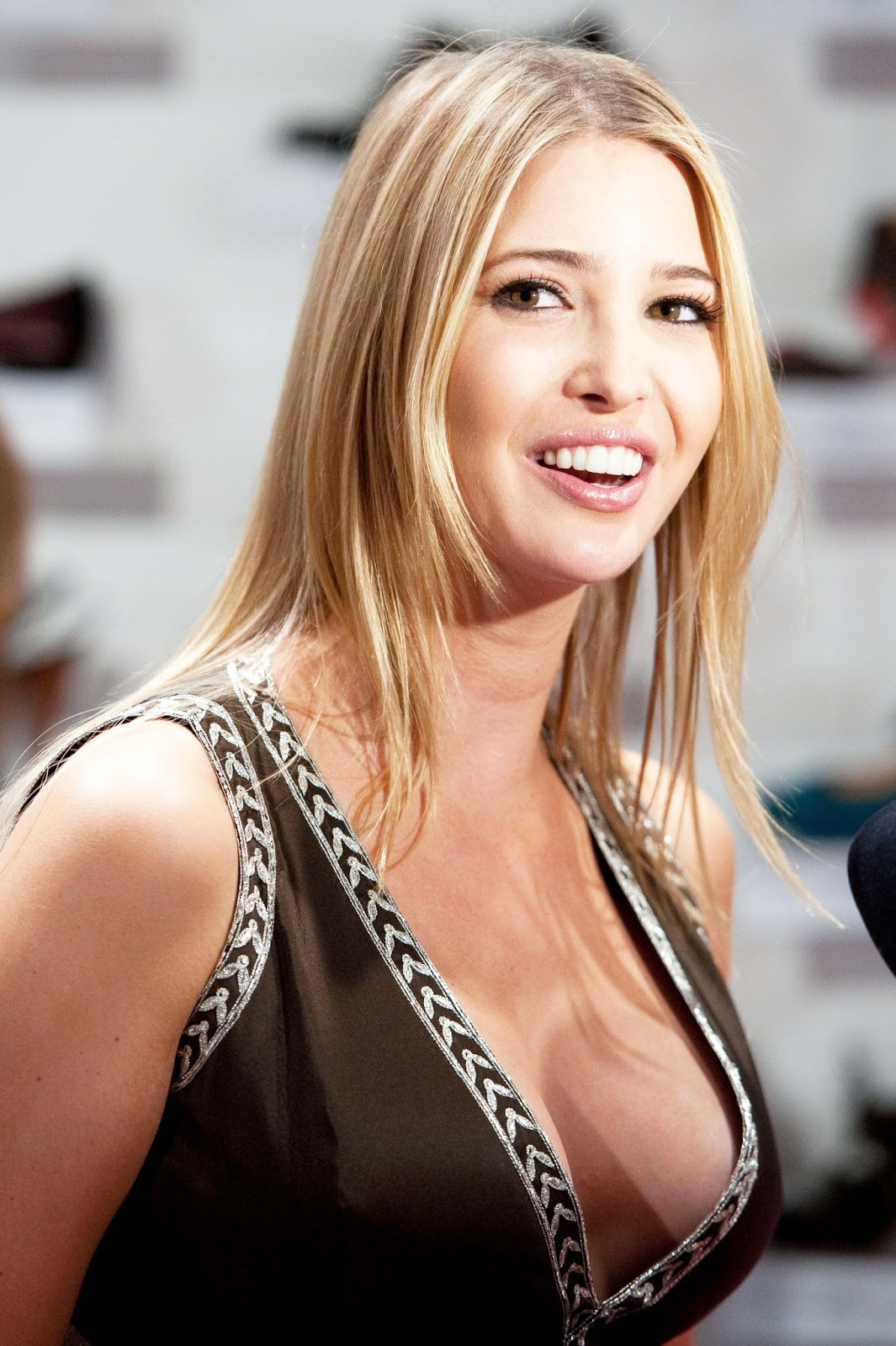 Ivanka Trump Hottest Photos | Sexy Near-Nude Pictures