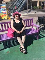 På lilla benk i Spania.