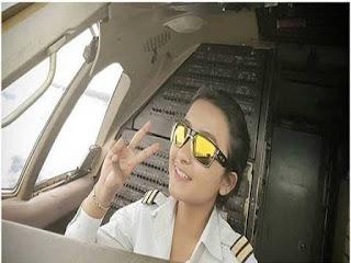 Hanya mimpi jual nasi uduk, Elesta justru jadi pilot wanita muda