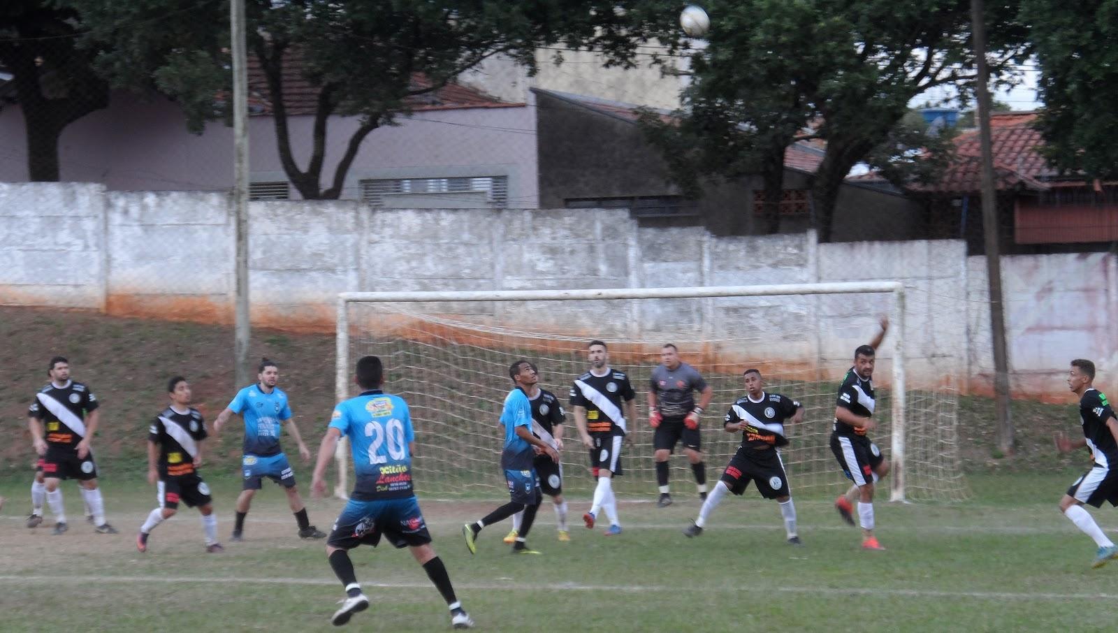 18d37c76b9 Lance de ataque do Grêmio Bela Vista na derrota diante do União Gasparini  Foto  Juliano Gomes   Tá na rede Bauru