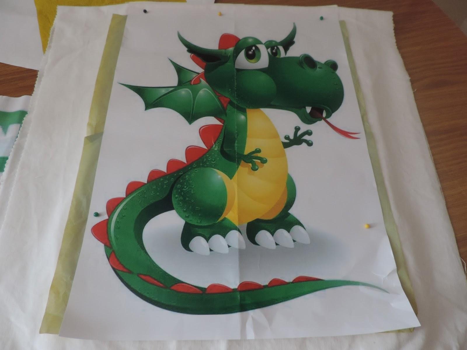 Cosas de cari cojin de dragon pintado a mano en tela - Cojines pintados en tela ...