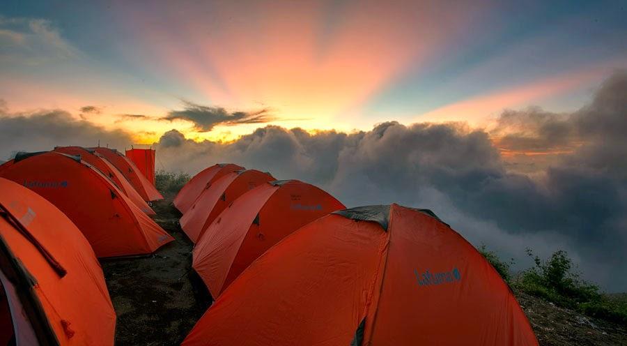 Kawah Plawangan Sembalun ketinggian 2639 m dpl Taman Nasional Gunung Rinjani