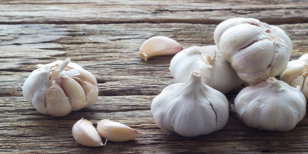 Apparently If You Put Garlic In Your Ear Overnight, THIS Happens