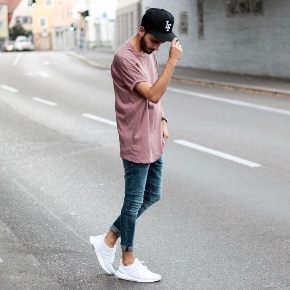 Look Masculino com Camiseta Rosa Masculina