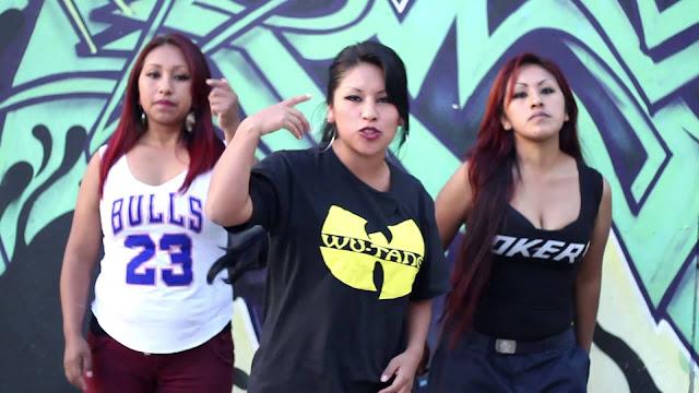 Trio de 'rapperas' bolivianas Santa Mala se apresenta em clube literário no Sesc Pompeia