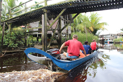 Menyusuri sungai di Kampung Tellian