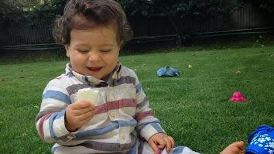 Baby led weaning: Introducción de alimentos con galletas de arroz