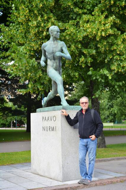 Uçan Finli atlet Paavo Nurmi