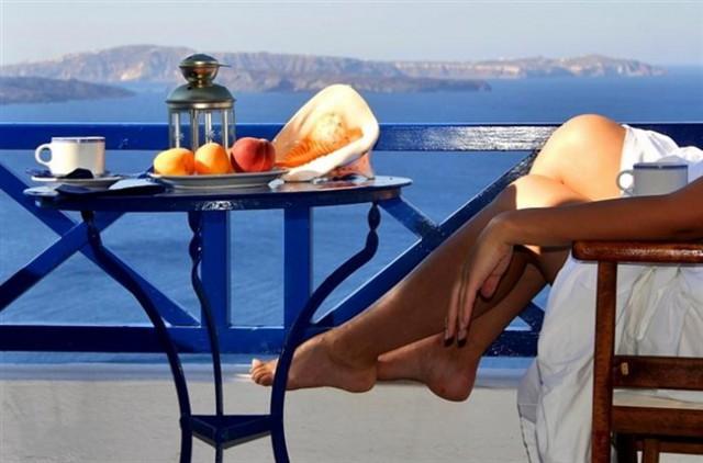 Δωρεάν διακοπές για 150.000 πολίτες μέσω ΟΑΕΔ