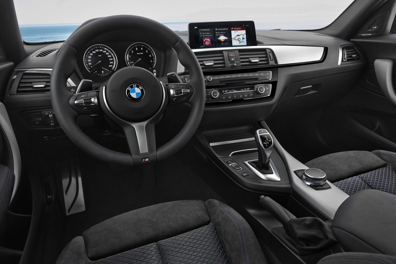 2018 bmw 1 series bows with updated interior new tech. Black Bedroom Furniture Sets. Home Design Ideas