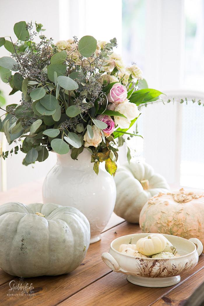 fall-autumn-tablescape-heirloom-pumpkins