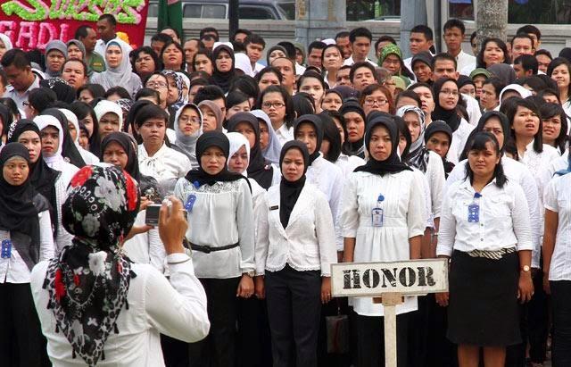 PGRI Desak Pemerintah Angkat Guru Honorer Jadi PNS