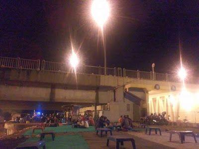 Warung Kopi Dibawah Jembatan Suramadu
