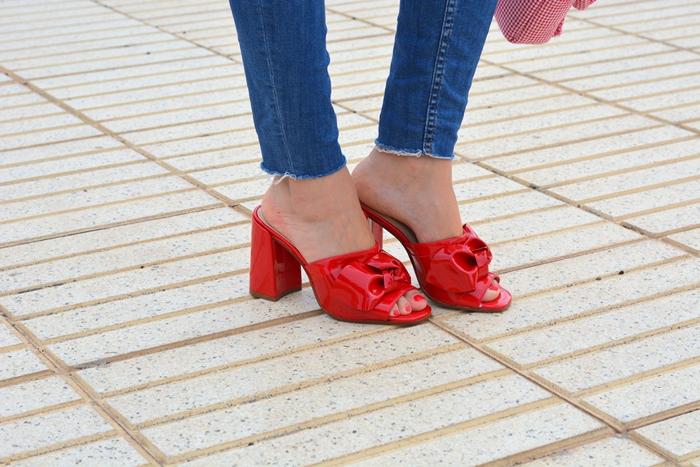 sandalias-mules-rojas-gloria-ortiz