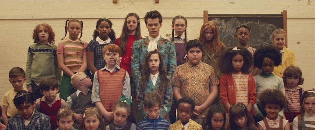 "Harry Styles Premieres ""Kiwi"" Music Video"
