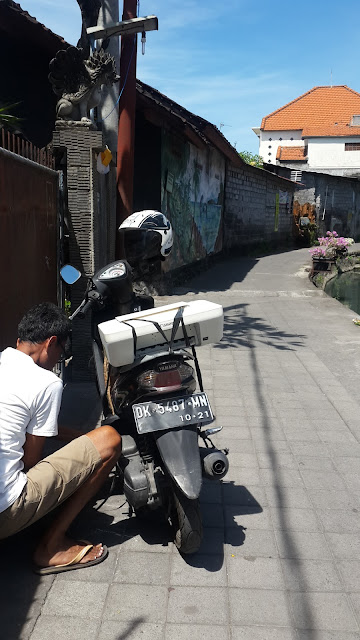 carry Printer in Motorbike, Bali, Indonesia, journey as solo