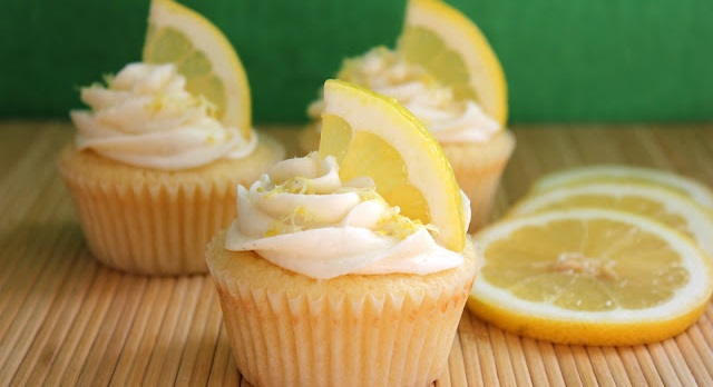 How to Make Coconut Filled Lemon Cupcakes