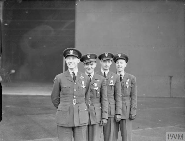 15 December 1940 worldwartwo.filminspector.com No. 303 Polish Squadron pilots