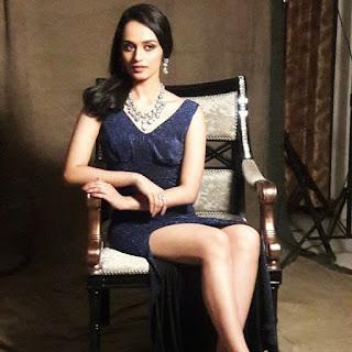 Miss World Manushi Chhillar has no fear of Bebo!4.jpg