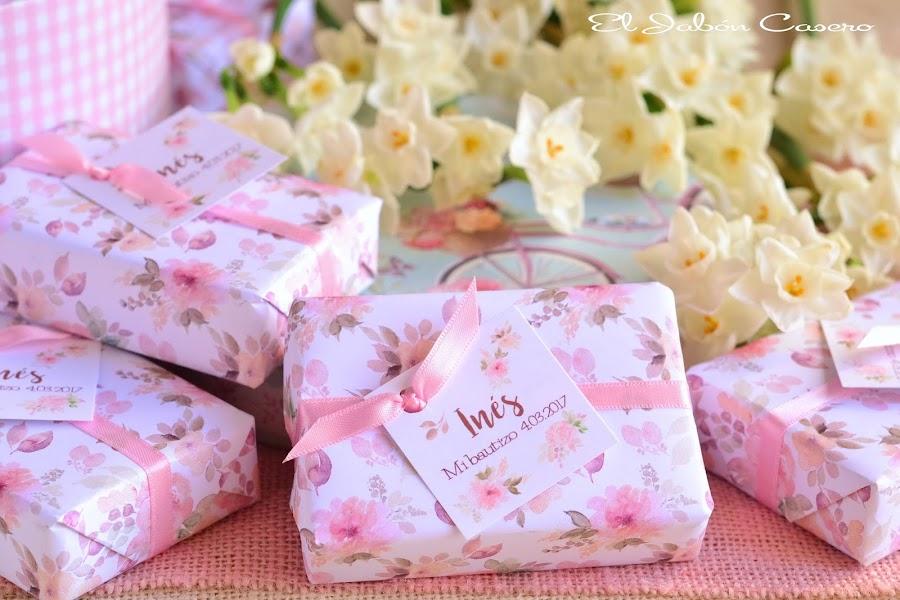 Detalles de bautizos jabones de color rosa