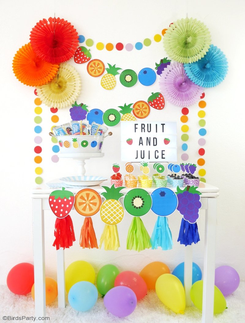 DIY Fruit & Juice Drinks Station - learn to style a fun, interactive, easy and super tasty drinks and fruit bar for your kids birthday or play dates! by BirdsParty.com @birdsparty #drinkststaion #juicebar #kidsjuicebar #fruitbar #fruitstation #partyideas #rainbowparty #rainbowbirthday