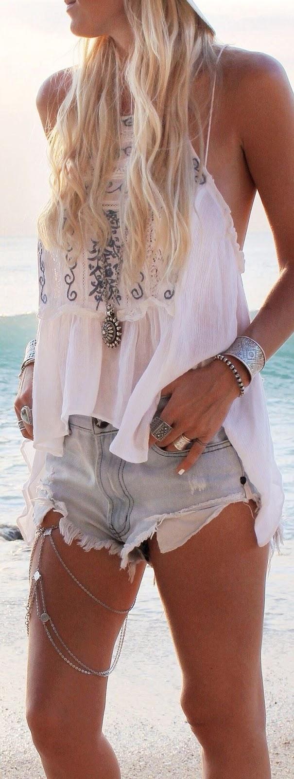 Beach Style Fashion to Wear Now