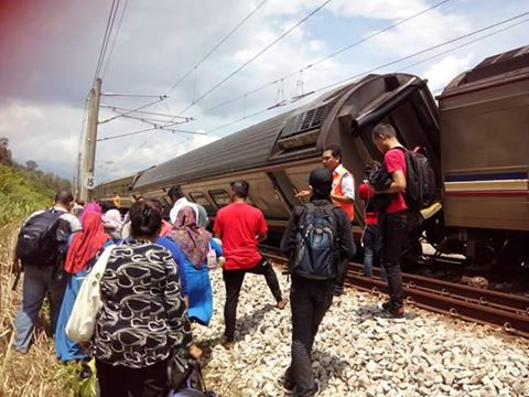 Komuter KTMB Bertembung Dengan Train ETS