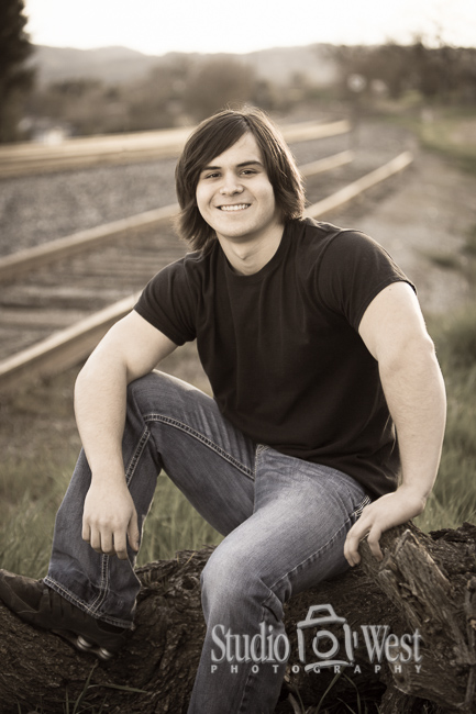 Rail Road Track Pictures - Templeton Senior Portrait Photographer - Studio 101 West Photography